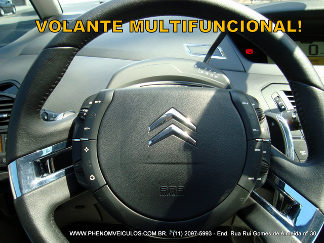 Citroen C4 Picasso 2011 semi-nova Automática 2011 - interior - volante