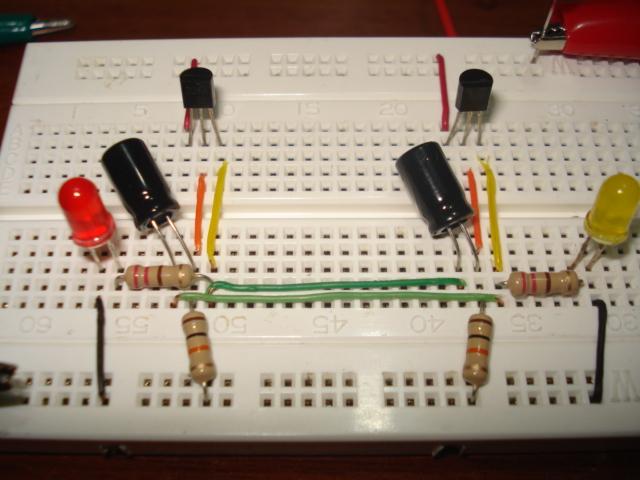Circuito Luces Led Intermitentes : ElectrÓnica practica flash con transistores