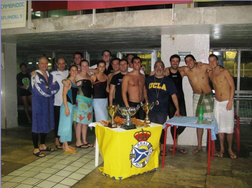 Al agua masters la secci n m ster del club nataci n for Piscina francos rodriguez
