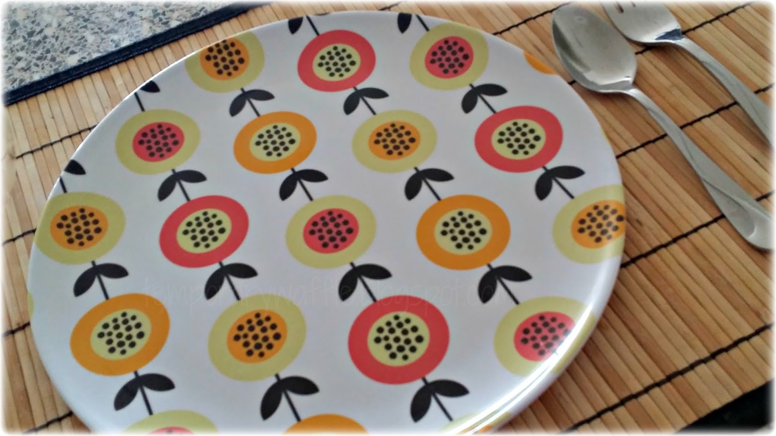 Tuesday June 9 2015 & Temporary Waffle: The Papaya Collection Melamine Picnic Dinner Plates