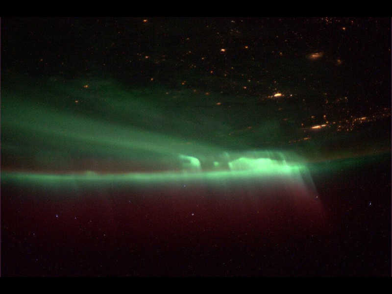 INTERNATIONAL SPACE STATION VIEWS NORTHRN LIGHTS