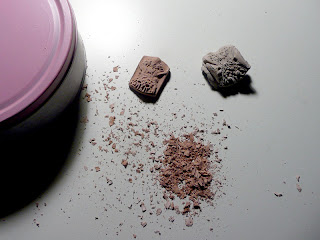 gomma pane, gomma per cancellare segni di matita, gessetto, carboncino, pastello, pigmento, putty rubber, kneaded eraser,  hlebna gumica, meka gumica