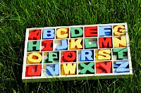 Alfabeto de madera. Letras de madera