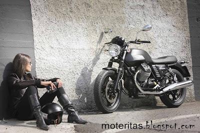 moto_guzzi_v7_stone_babe_free_leatherboots_wall_wallpaper