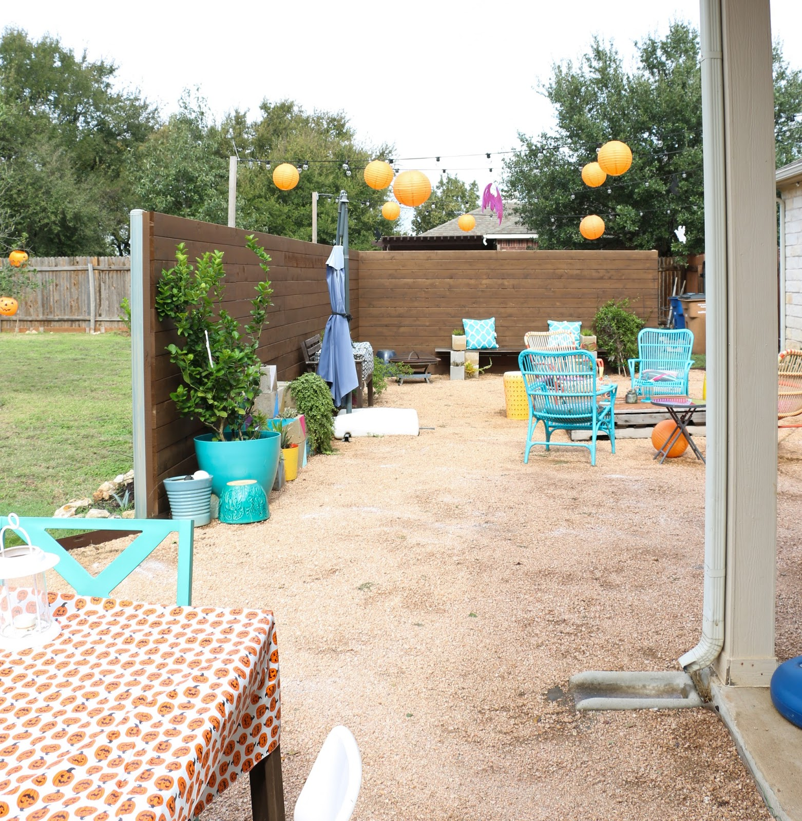 a kailo chic life halloween party recap the decorations
