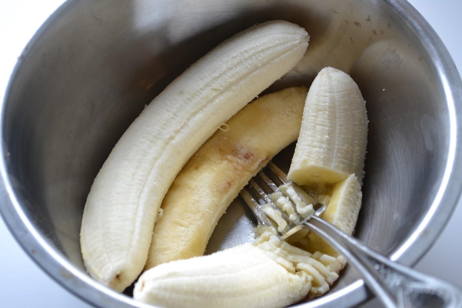 Eet lekker: bananencake met walnoten en kaneel