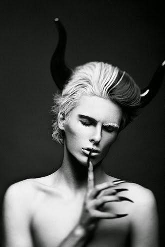 Il diavolo tinge il pelo , ma non perde il vizio. Lo Istiga!