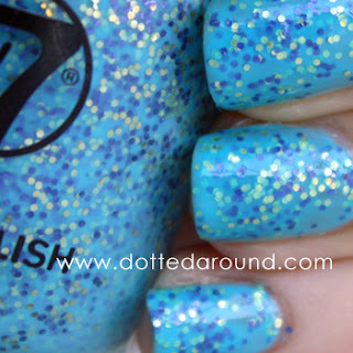 W7 Mosaic polish close up