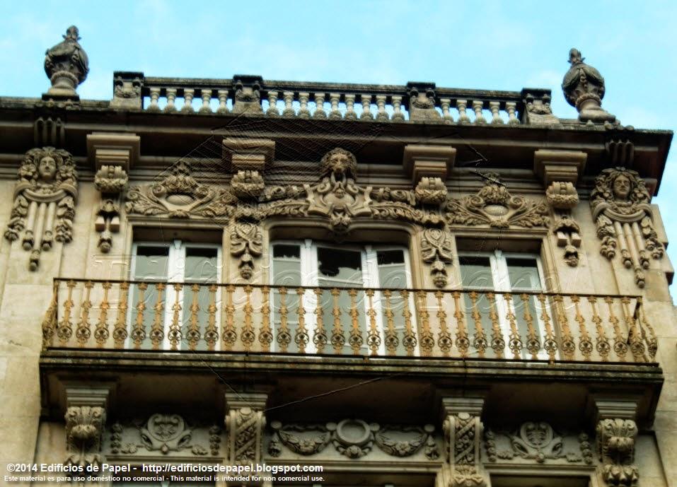 Ornamentos arquitectónicos en Ourense