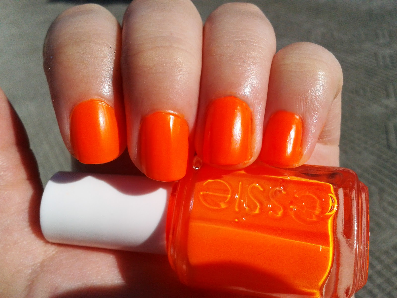 Nail Polish Vixen: Essie Bright Tights