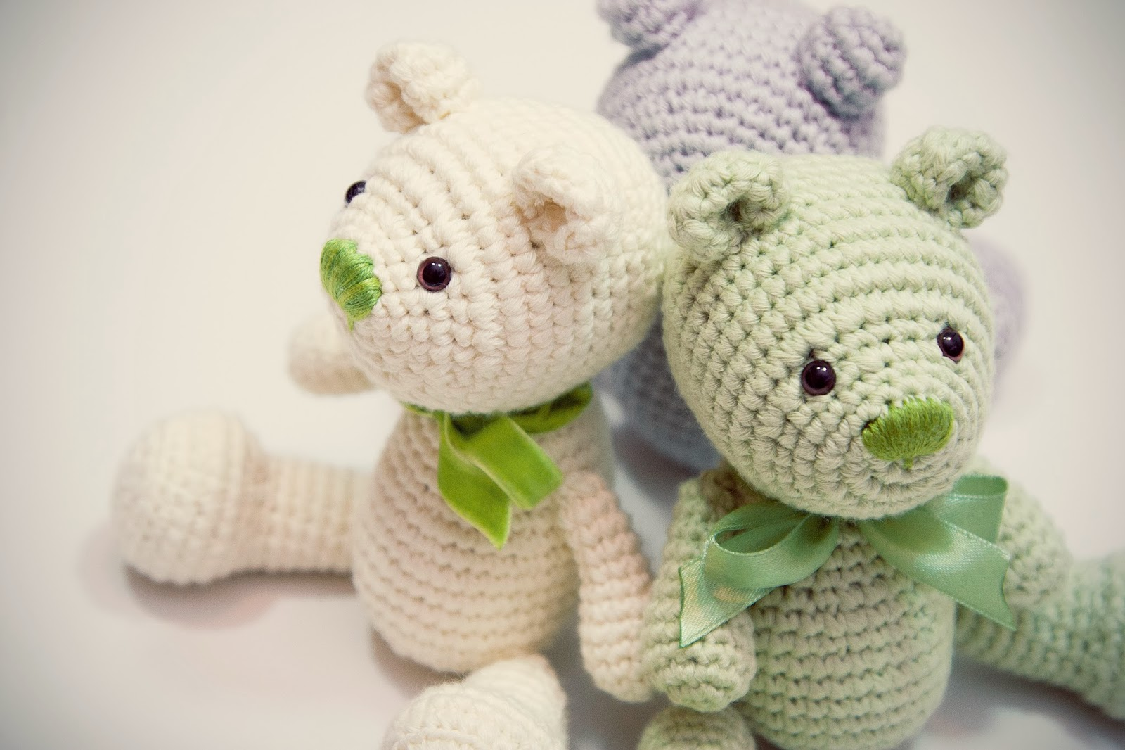 Crochet Pattern Amigurumi Bear : HAPPYAMIGURUMI: Little Amigurumi Teddy Bears - New Crochet ...