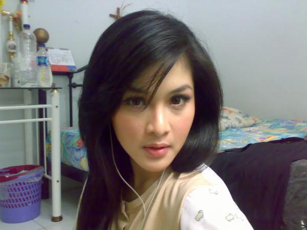 wanita tercantik Indonesia dewi sandra