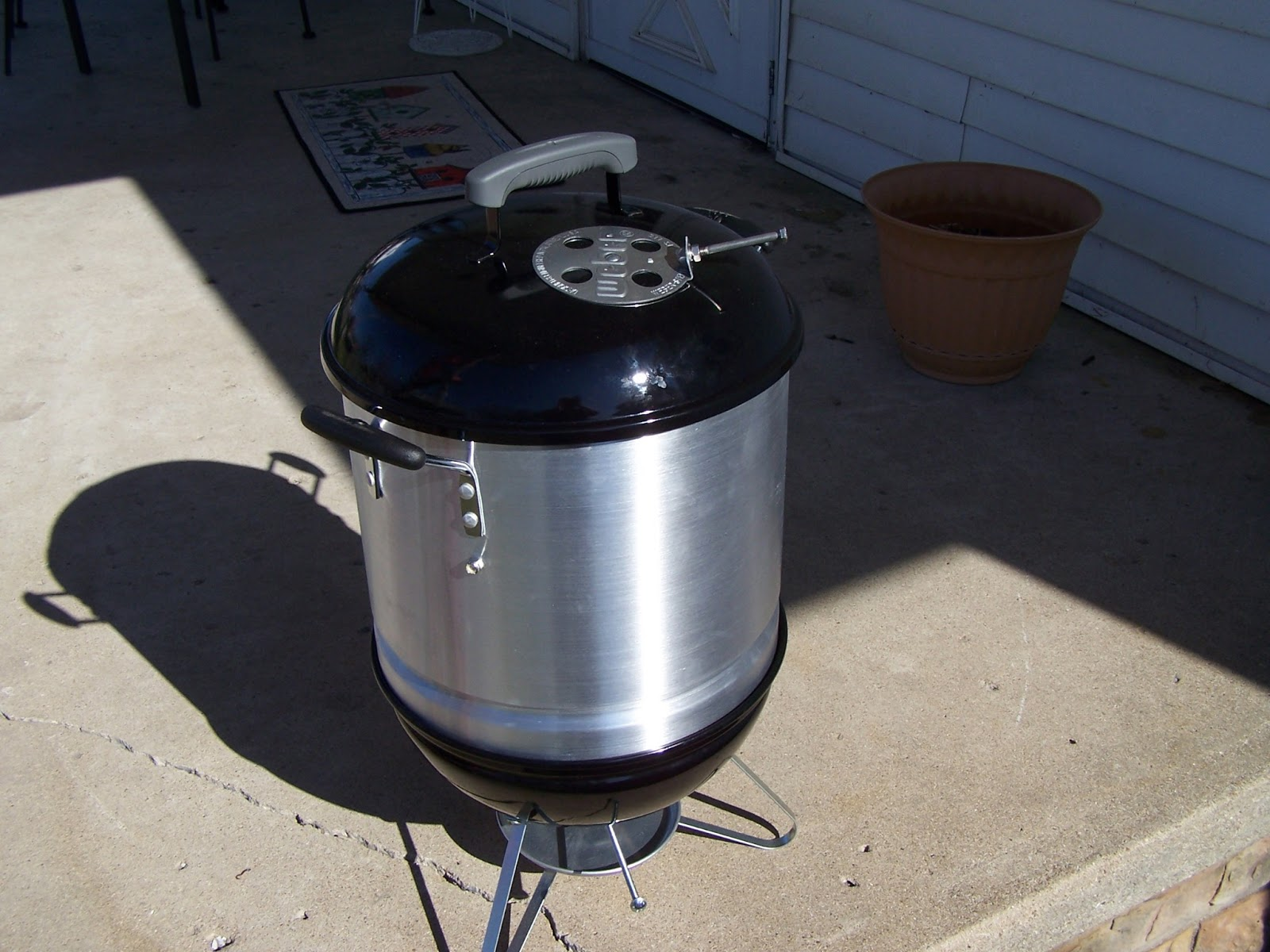 2 vets bbq my mini wsm weber smoky mountain. Black Bedroom Furniture Sets. Home Design Ideas