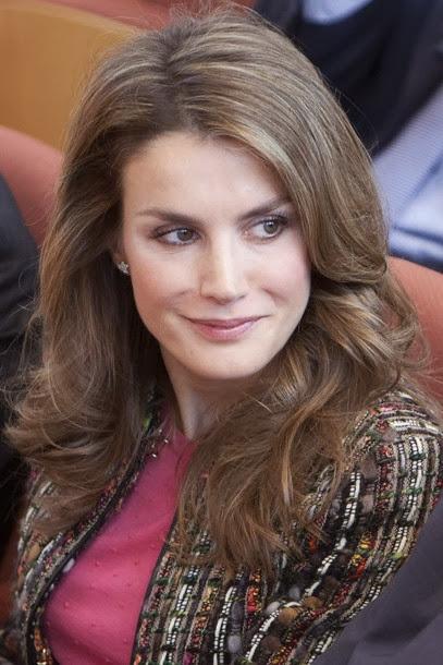 Ce matin, la princesse Letizia a participé à l'inauguration d'un ...