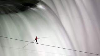 koorddanser Niagara Watervallen Volkskrant landvanmelkenhoning.blogspot.nl