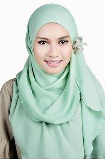 Trend hijab terbaru simpel sederhana dan modis