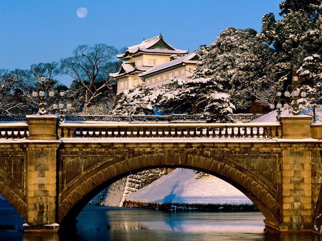 http://3.bp.blogspot.com/-JgYz0-Hli6o/TVPxNL62KpI/AAAAAAAAB4Y/-rnbrMq2ahc/s1600/Imperial+Palace%252C+Tokyo%252C+Japan.jpg