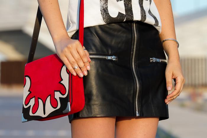 Detalle accesorios outfit blogger de moda