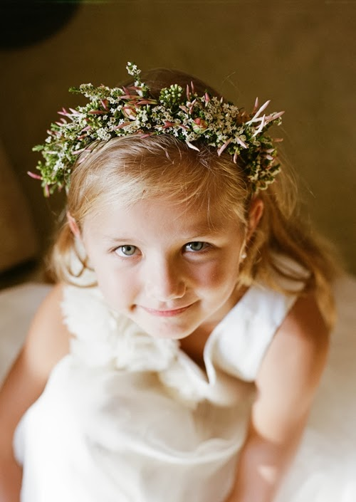 hårblommor, krans brudäbb, blomsterkrans, headpiece, flower crown, hair flowers, flower crown for flower girl