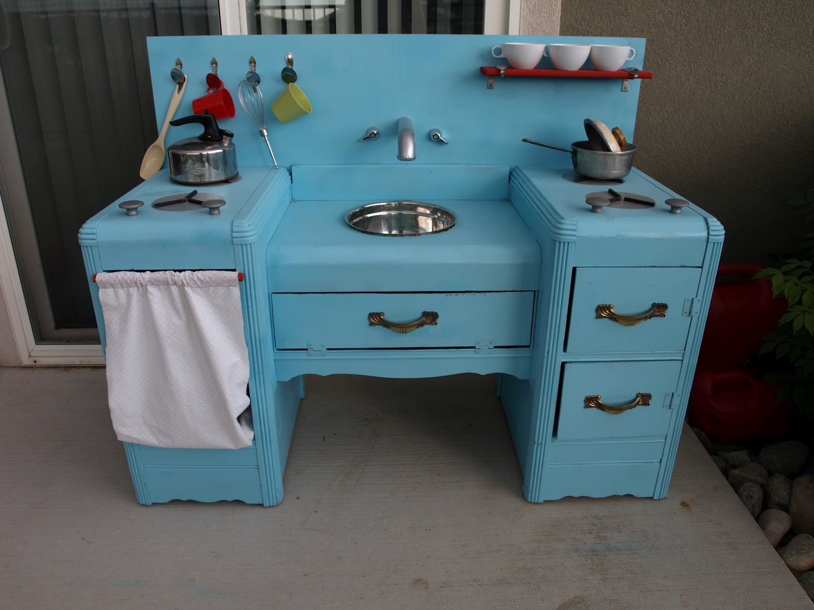 We love being moms homemade kids play kitchen for Kids kitchen furniture