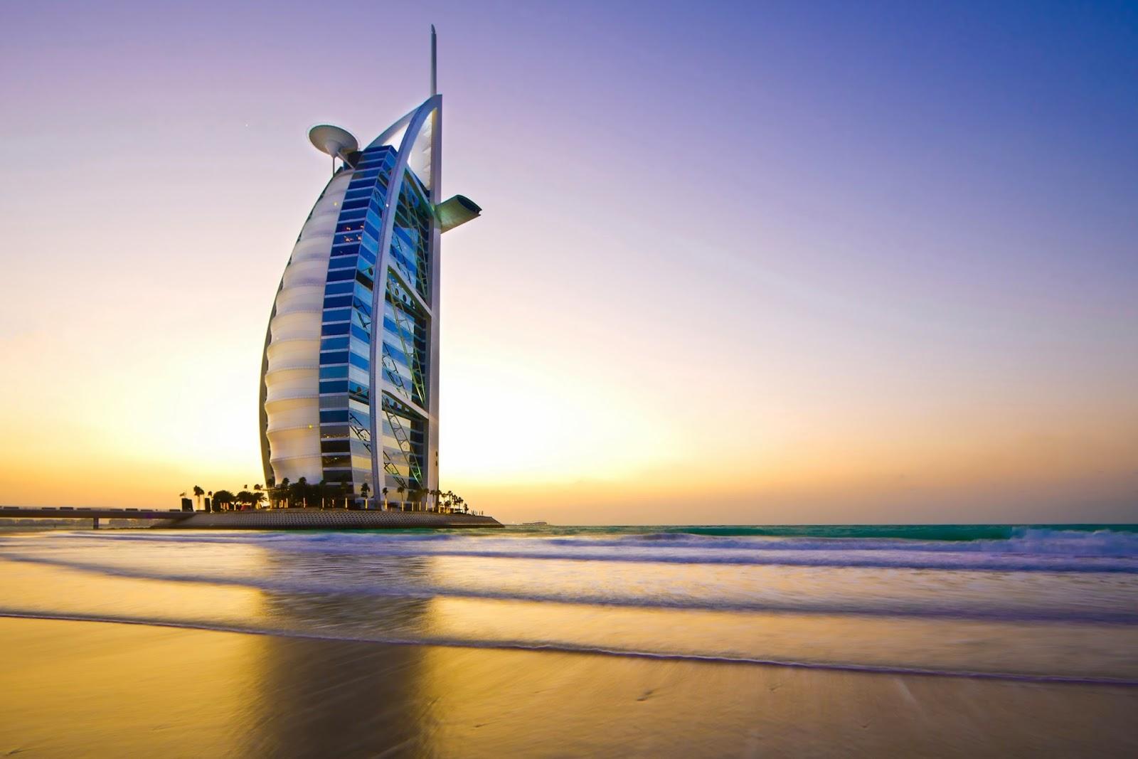 El hotel burj al arab tiene motivos para diferenciarse claramente de un hotel 5 estrellas normal además de ser uno de los 10 edificios más raros del mundo