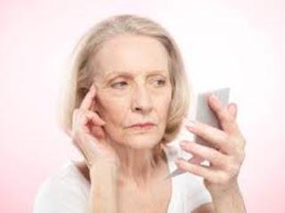 5 Kebiasaan yang Menyebabkan Penuaan Dini