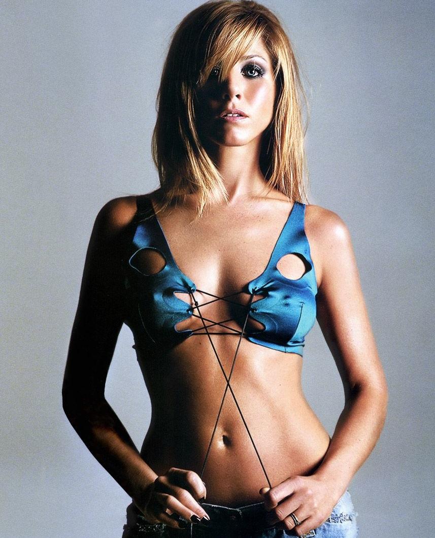 New jennifer anniston bikini pictures