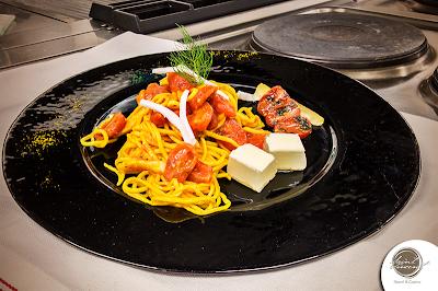 Ricetta fusion: spaghetti alla chitarra con curcuma, aneto, cedro, pomodorini e pecorino romano