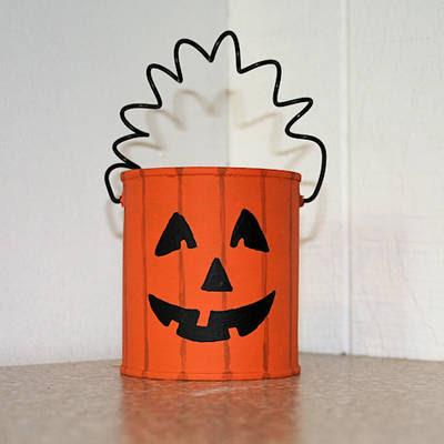 Zucca di halloween da riciclo creativo latte e lattine