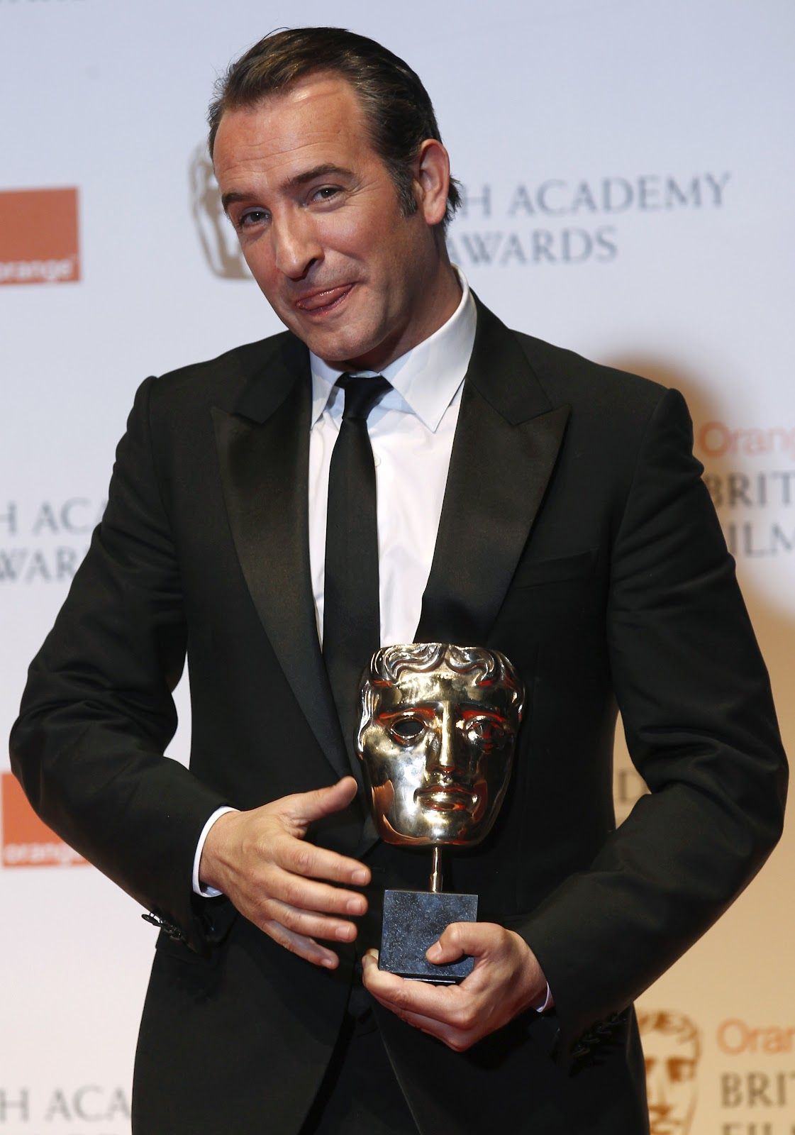 The artist arrasa en los bafta los oscar 2012 for Jean dujardin bafta