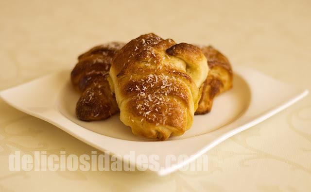 deliciosidades - cruasanes caseros con coco
