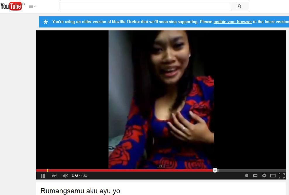 Salah_Satu_Video_Rumangsamu_TKI_Singapore_Pegang_Toket