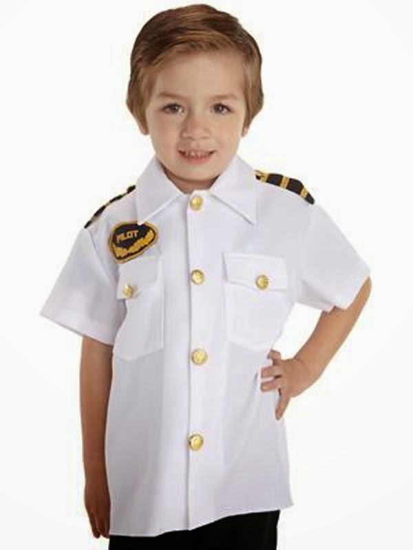 Gambar anak kecil laki-laki ganteng pakai kostum pilot