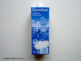 Leche semidesnatada Carrefour.