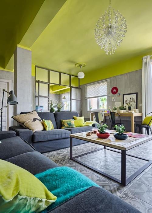 piso con esencia industrial y toques verde lima