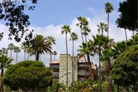 Punca Golongan Kaya Dan Selebriti Desak Sultan Brunei Jual Hotel Di Beverly Hills