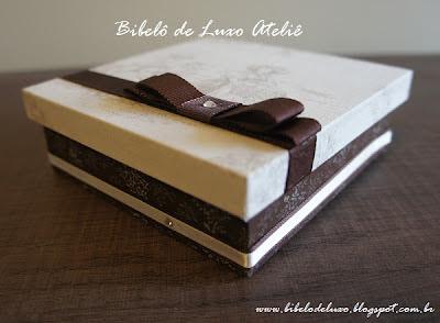 CAIXA DE TECIDO PARA DOCES, COLEÇÃO TOILE DE JOUY, BIBELÔ DE LUXO ATELIÊ, CASAMENTO MARROM, OFF WHITE E FENDI www.bibelodeluxo.blogspot.com.br