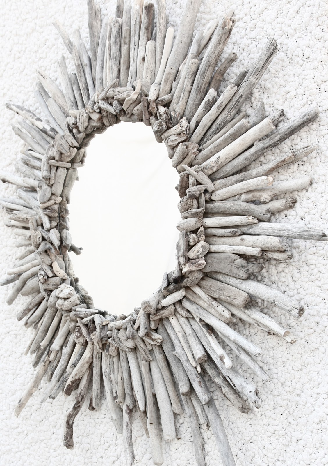 alamode diy driftwood sunburst mirror from blessed awesome. Black Bedroom Furniture Sets. Home Design Ideas