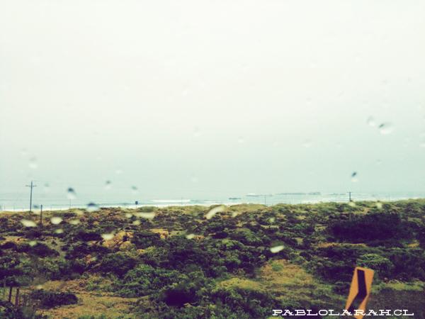 Rain through glass, Chile, bus, Pablo Lara H