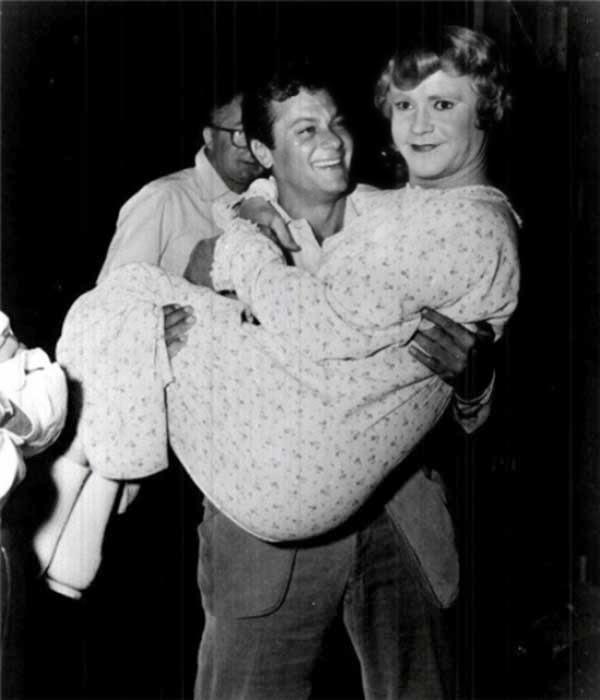 """Tony Curtis y Jack Lemmon en """"Con faldas y a lo loco"""" (1959)"""