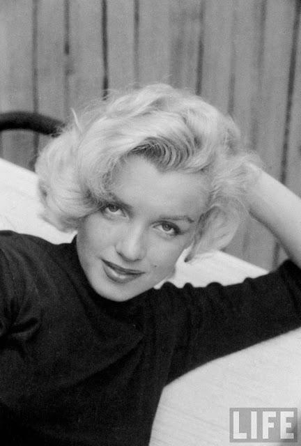 Черно-белые фотографии Мэрилин Монро