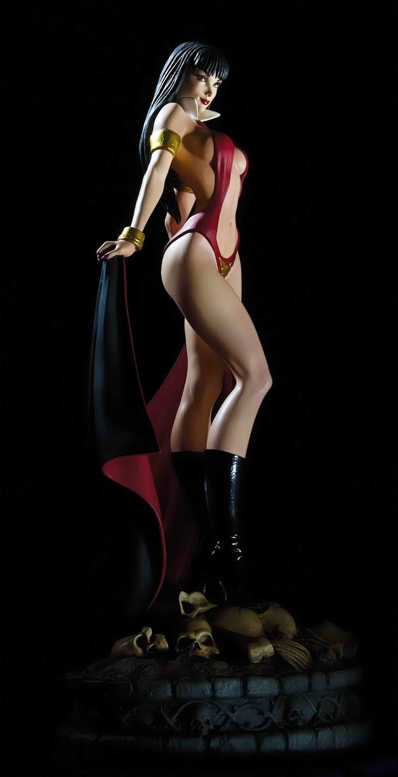 [Dynamite] Woman of Dynamite: Vampirella Statue Vamp_6_dark