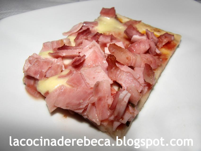 La cocina de rebeca pizza de jam n york y bacon for Q hacer de cenar hoy