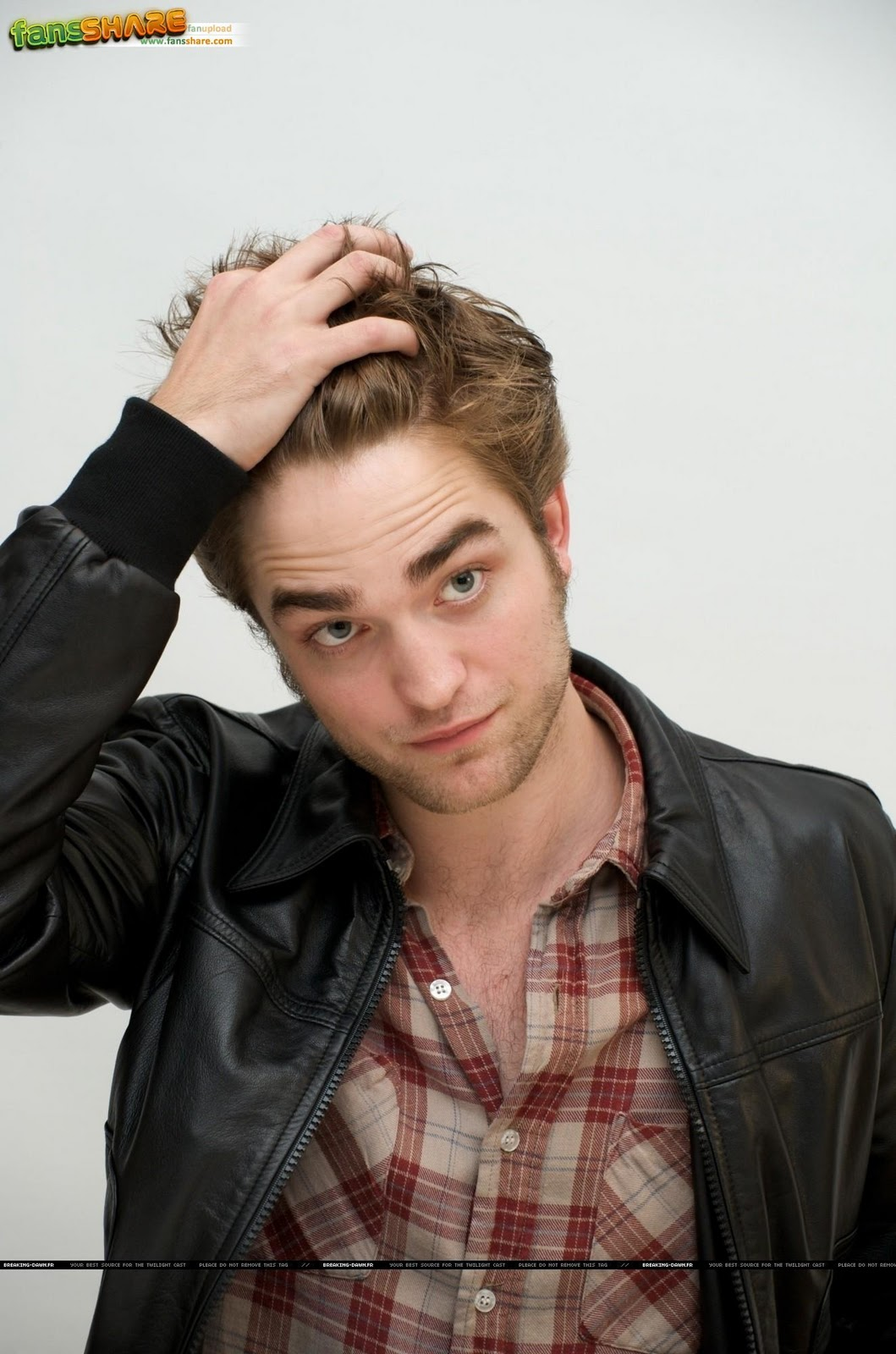 Robert Pattinson Pics
