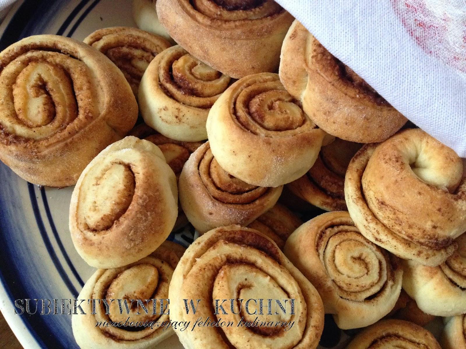 bułeczki cynamonowe, cinnamon rolls, brioches à la cannelle, brioches à la cannelle, Zimtschnecken