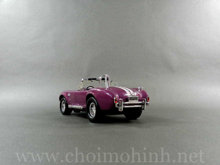 Shelby Cobra 1965 1:32 back