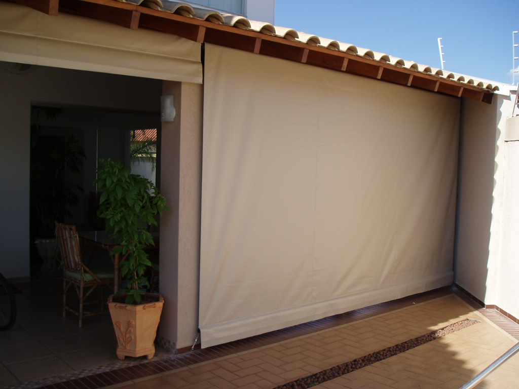 Toldos toldos cortinas for Cortinas de plastico para exteriores