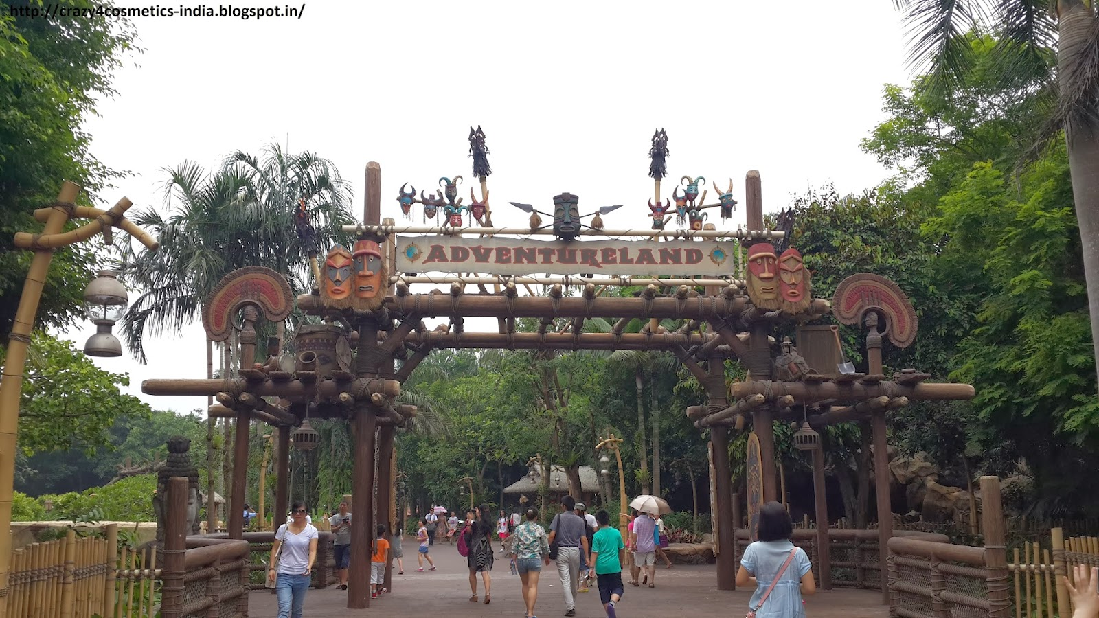 Hongkong Disneyland Grizzly Gulch- Adventure Land- Hongkong Disneyland Travel Tips