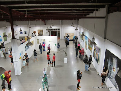 Pameran seni di Exhibition Hall
