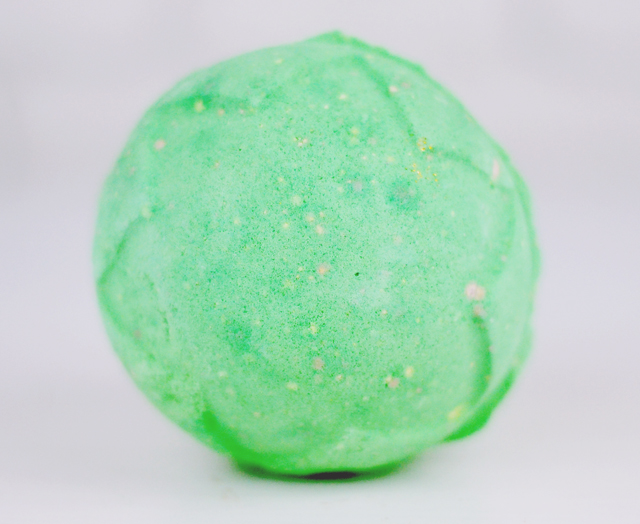 Lush Lord of Misrule Bath Bomb Review